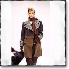 Dolce & Gabbana Fashion Show Milan Fall Winter '94 '95 © interneTrends.com classic model Kate Moss