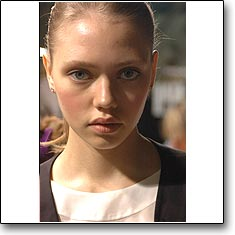 Paolo Errico Fashion show Milan Spring Summer '06 � interneTrends.com model Alyona Palgova