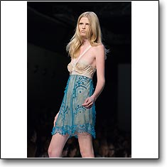 Click here to view beautiful Lara Stone internetrends portfolio