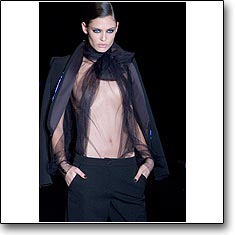 CLICK for La Perla Autumn Winter 06 07