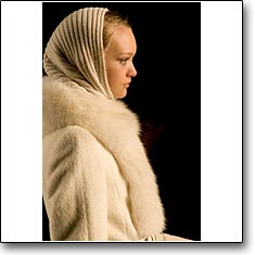 MAX MARA Fashion show Milan Autumn Winter '05 '06 © interneTrends.com Model Gemma Ward