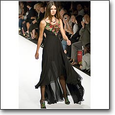 Silique Fashion show Milan Spring Summer '07 © interneTrends.com