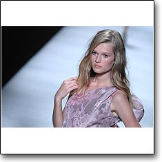 Click here to view beautiful Toni Garrn internetrends portfolio