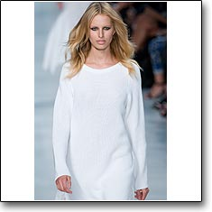 Click here to view beautiful Karolina Kurkova internetrends portfolio