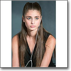 Click here to vote beautiful Taylor Hill